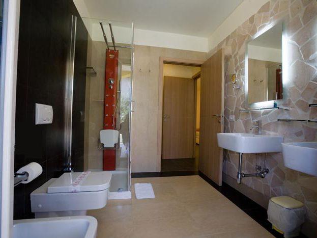 PARCO DEI PRINCIPI GROTTAMMARE bagno suite
