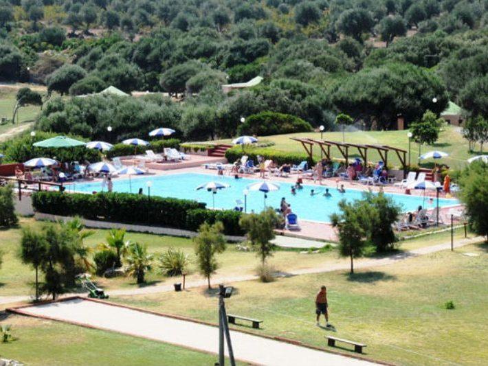 villaggio-cala-del-principe-piscina-large