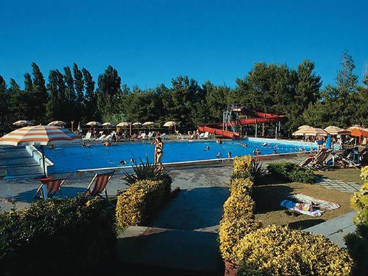 piscina1_jpg