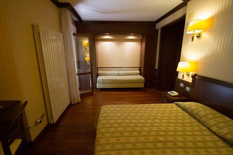hotel_corona_camere-0119_Meditour