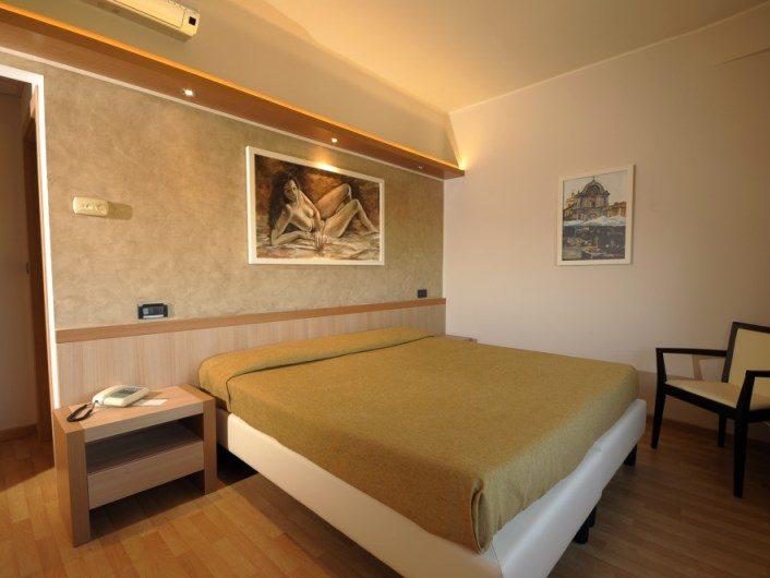 hotel_camera2_meditour