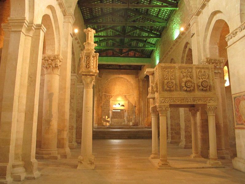interno-abbazia-di-s.-clemente-a-casauria-2