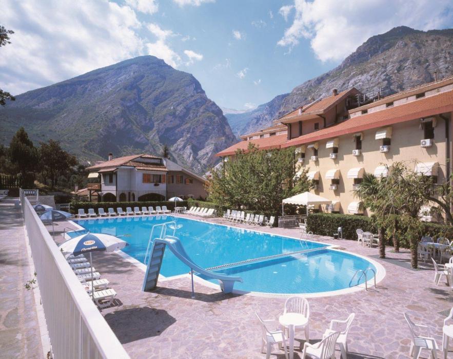 HOTEL DEL CAMERLENGO PISCINA
