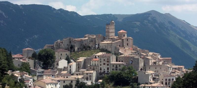 Castel_del_monte ritagliata